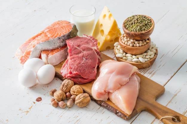 ダイエット中に摂るべきタンパク質とは